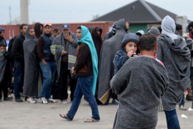 Auch am Freitag kamen wieder Tausende im Burgenland an.