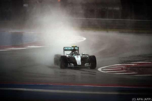 Rosberg kam mit dem Regen im verkürzten Qualifying am besten zurecht