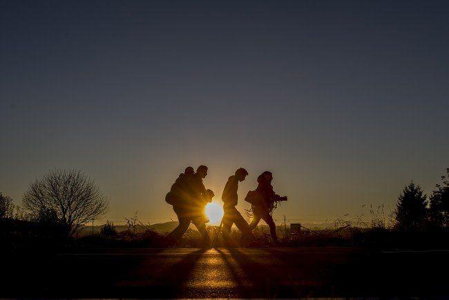 Flüchtlinge auf der B67, der Grazer Bundesstraße