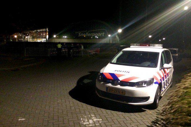 Eine Notunterkunft für Flüchtlinge wurde in den Niederlanden in der Nacht auf Samstag angegriffen.