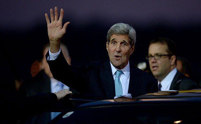US-Außenminister John Kerry bei seiner Ankunft am Flughafen Wien-Schwechat