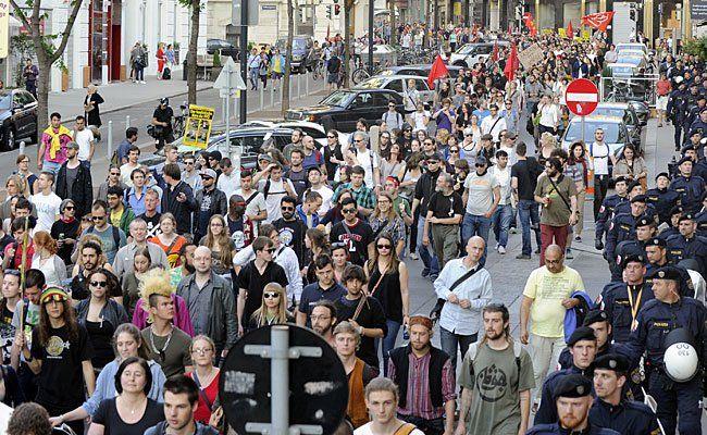 Die Offensive gegen Rechts wird am Wiener Ring gegen die FPÖ demonstrieren