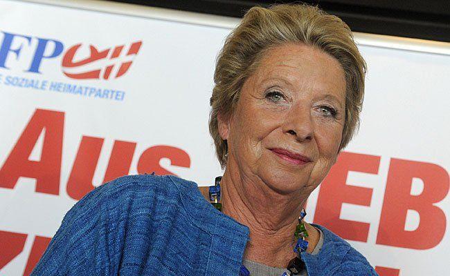 """Ursula Stenzel ist zwar bei der FPÖ, bewarb aber """"Refugees welcome""""-Tee"""