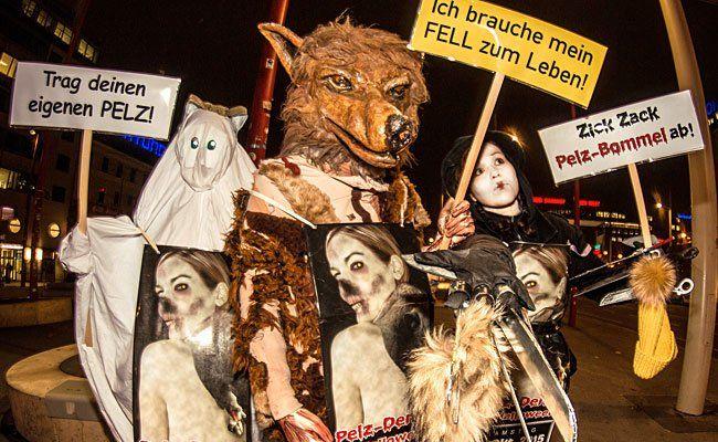 So werden die Aktivisten des VGT zur großen Anti-Pelz-Demo erscheinen