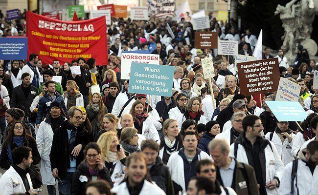 Erneut gehen die Ärzte in Wien für ihre Rechte auf die Straße