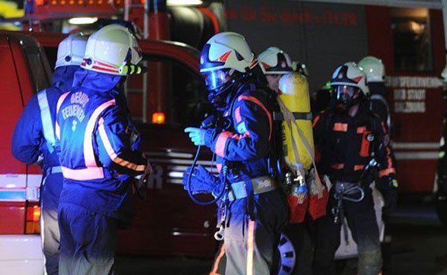 Bei der Löschung entdeckten die Einsatzkräfte die Leichen.