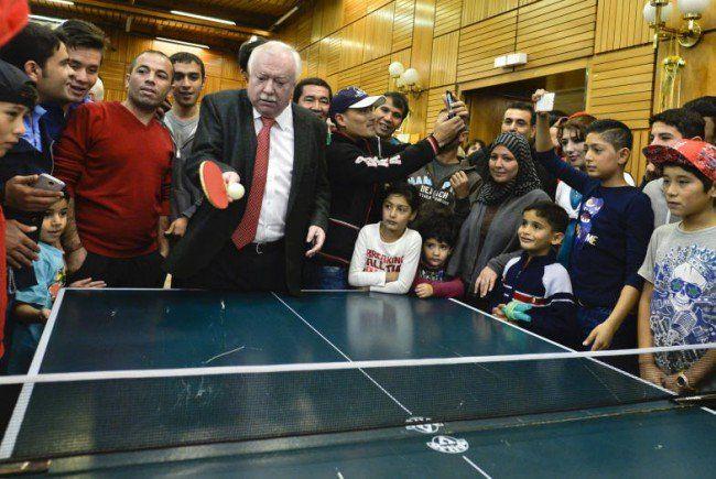 Eine Runde Ping-Pong mit dem Bürgermeister.