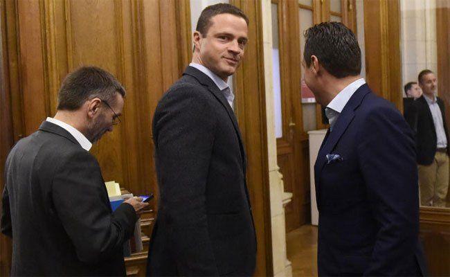Grund der Debatte: Wiens neuer Vizebürgermeister, bzw. sein Gehalt.