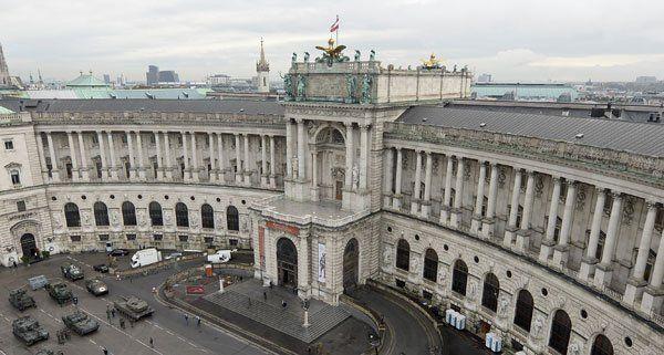 Feueralarm bei Hofburg: Laub in Lüftungsschacht brannte