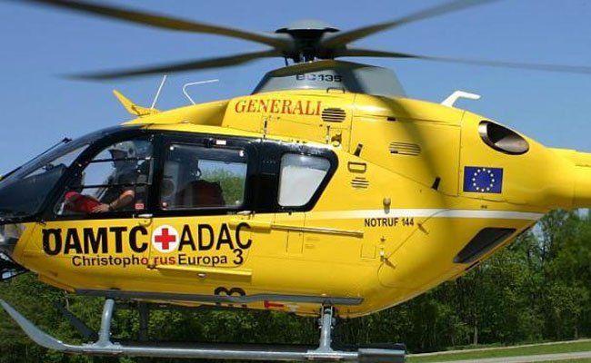 Das Unfallopfer wurde mit einem Christophorus-Hubschrauber ins Spital geflogen