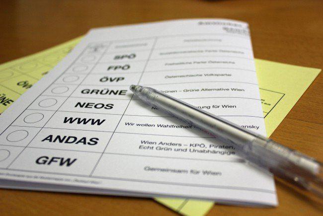 Nach vollständiger Auszählung der Wahlkarten wartet man gespannt auf die Briefwahl.