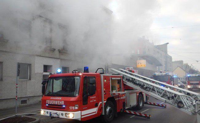Matratze in desolatem Wohnhaus in Wien-Donaustadt brannte