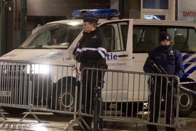 Die belgische Polizei führte in Brüssel 19 Razzien durch.