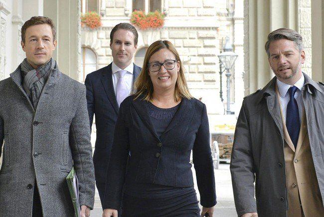 Iris Müller-Guttenbrunn mit Gernot Blümel und Markus Keschmann.