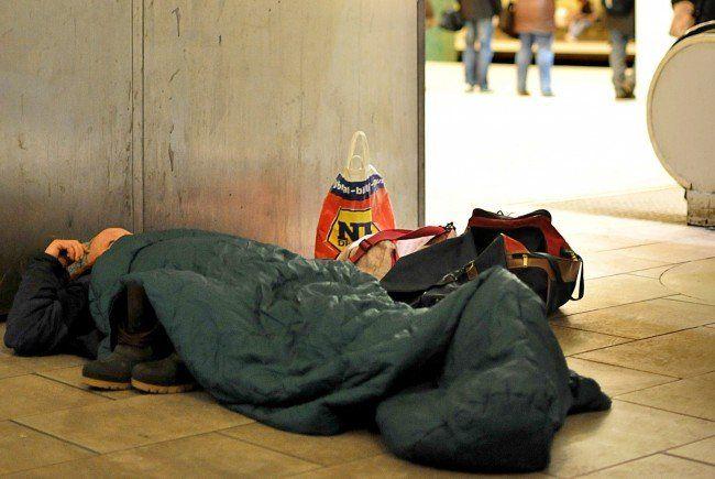 Wintereinbruch in Wien - Hilfe für Obdachlose: Leitung Caritas-Kältetelefon wieder offen