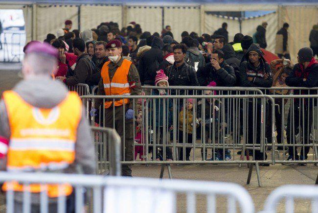 Flüchtlinge in Spielfeld.