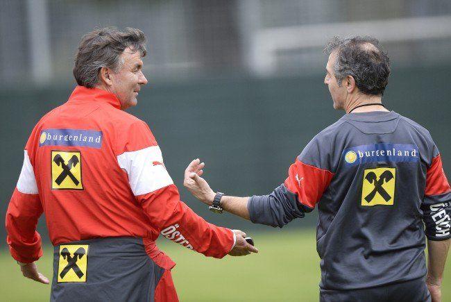 Willi Ruttensteiner (l.) hofft auf eine weitere Zusammenarbeit mit Marcel Koller.