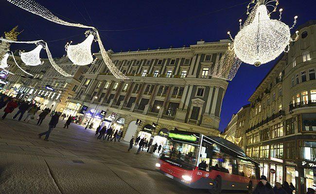 An den Einkaufssamstagen vor Weihnachten fahren die Öffis öfter