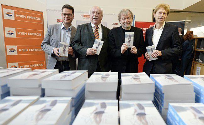 (v.l.n.r.) Der designierte Stadtschulratspräsident Jürgen Czernohorszky, Bgm. Michael Häupl, der norwegische Autor Jostein Gaarder und Helmut Schneider (Geschäftsführer von Echomedia) bei der Buchpräsentation