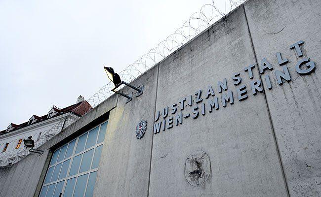 In der Justizanstalt Wien-Simmering sind Handys eigentlich verbotenIn der Justizanstalt Wien-Simmering sind Handys eigentlich verboten