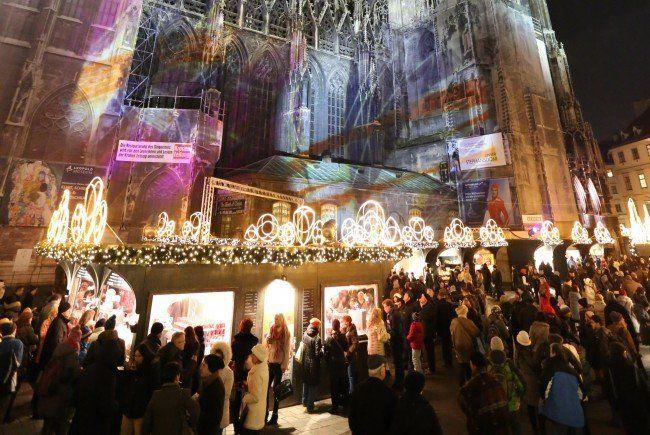 Am 13. November 2015 eröffnet der Weihnachtsmarkt am Stephansplatz.