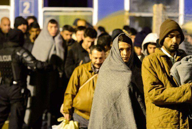 56.356 Asylanträge bis September, 76 Prozent Männer
