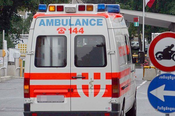Die beiden Männer wurden in ein Krankenhaus gebracht.