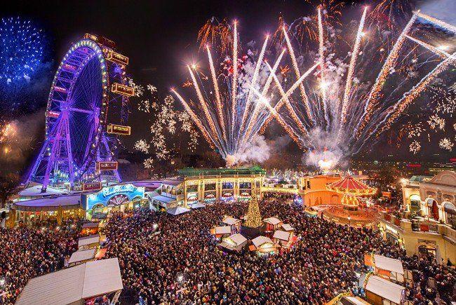 VOm 21. November 2015 bis 6. Jänner 2016 lädt der Weihnachtsmarkt am Riesenradplatz zum Verweilen ein.