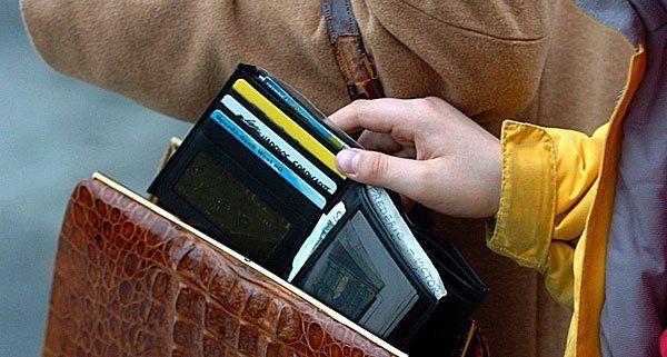 In der Vorweihnachtszeit haben Taschendiebstähle Hochkonjunktur