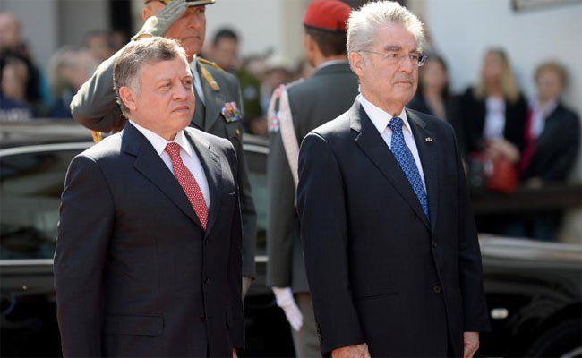Der Jordanische König Abdullah (l.) trifft auch auf BP Heinz Fischer.