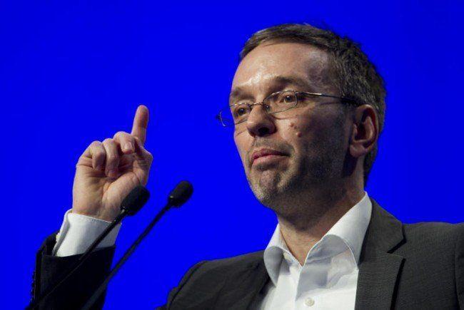 FPÖ-Generalsekretär Herbert Kickl forciert Winters Rücktritt.