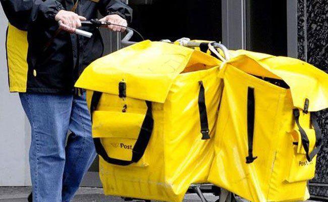 Billigere Schiene für Post ins Ausland geplant.