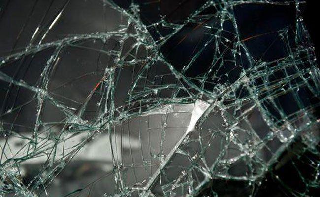 Der Mann verletzte sich durch das Glas an der Hand.