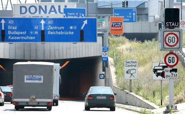 Autofahrer haben am Dienstagabend beim Tunnel viel Geduld gebraucht.