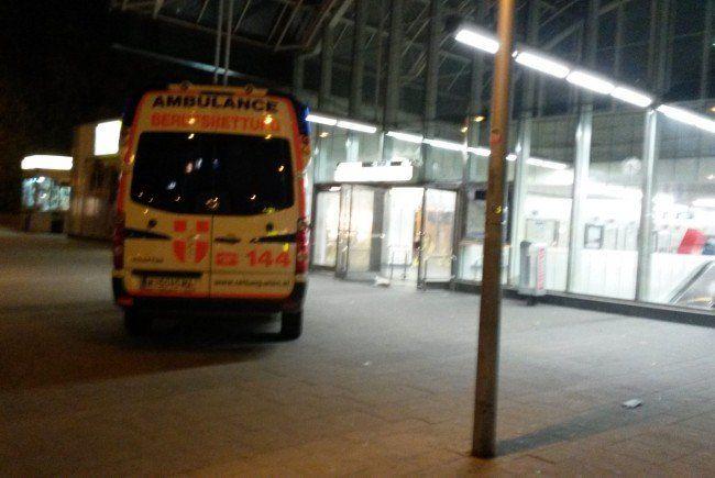 Beim Rettungseinsatz am Simmeringerplatz.