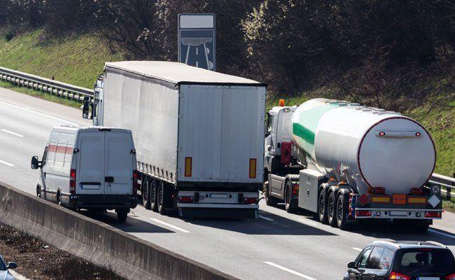 Ab 2016 gelten verschärfte Fahrverbote für Lkw.