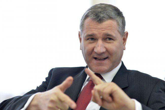 Niedermühlbichler übt scharfe Kritik an der Bundes-ÖVP.