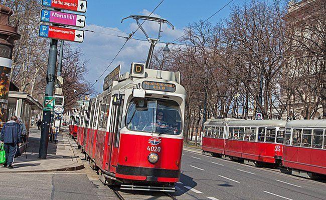 In einer Straßenbahn der Linie D waren Taschendiebinnen aktiv