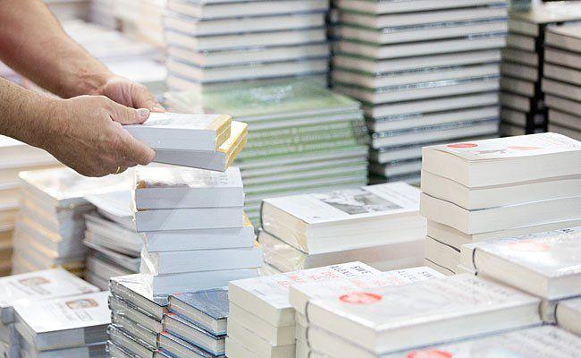 Welche Bücher sich 2015 am besten verkauften, verrät ein Blick in die Jahres-Top Ten