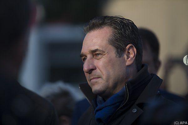 Straches FPÖ ist klarer Nutznießer der Flüchtlingsdebatte