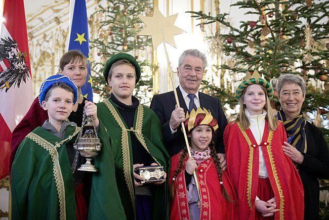 Die Sternsinger auf Besuch bei Bundespräsident Heinz Fischer