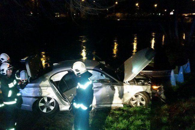 Der Fahrer konnte sich selbst aus dem Auto befreien.