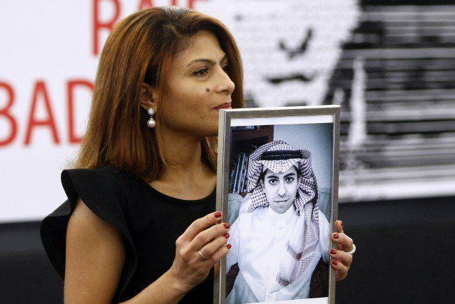 Ensaf Haidar demonstriert heute für ihren Mann Raif Badawi.