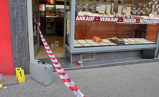 Am Tatort des Juwelier-Raubs in Wien-Hernals