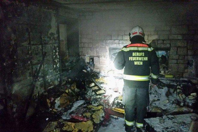 Bild von der Zerstörung nach dem Brand in Favoriten.