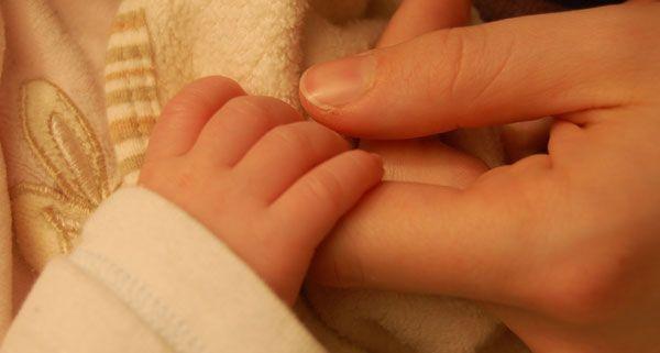 Klagenfurterin fand lebendes Neugeborenes in Mülltonne