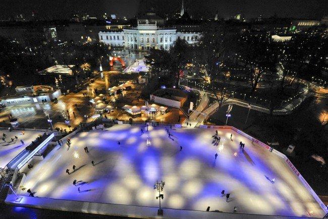 Auch heuer findet der Wr. Eistraum auf dem Rathausplatz statt.