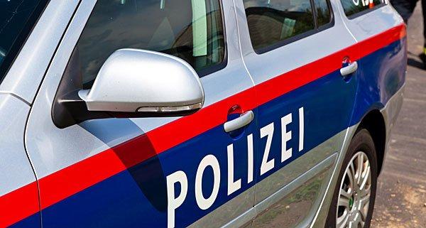 Die Polizei nahm die aggressive Frau im 22. Bezirk fest.