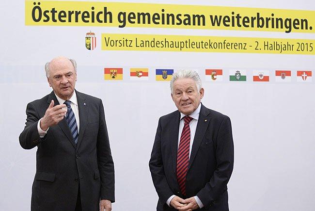 NÖ-Landeshauptmann Erwin Pröll (links) wird nach Meinung von Josef Pühringer (rechts) als Bundespräsident kandidieren