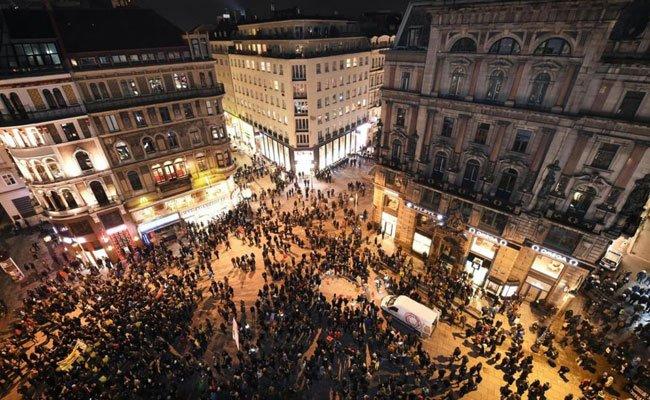 Beim Akademikerball werden viele Demonstranten in der Stadt erwartet.